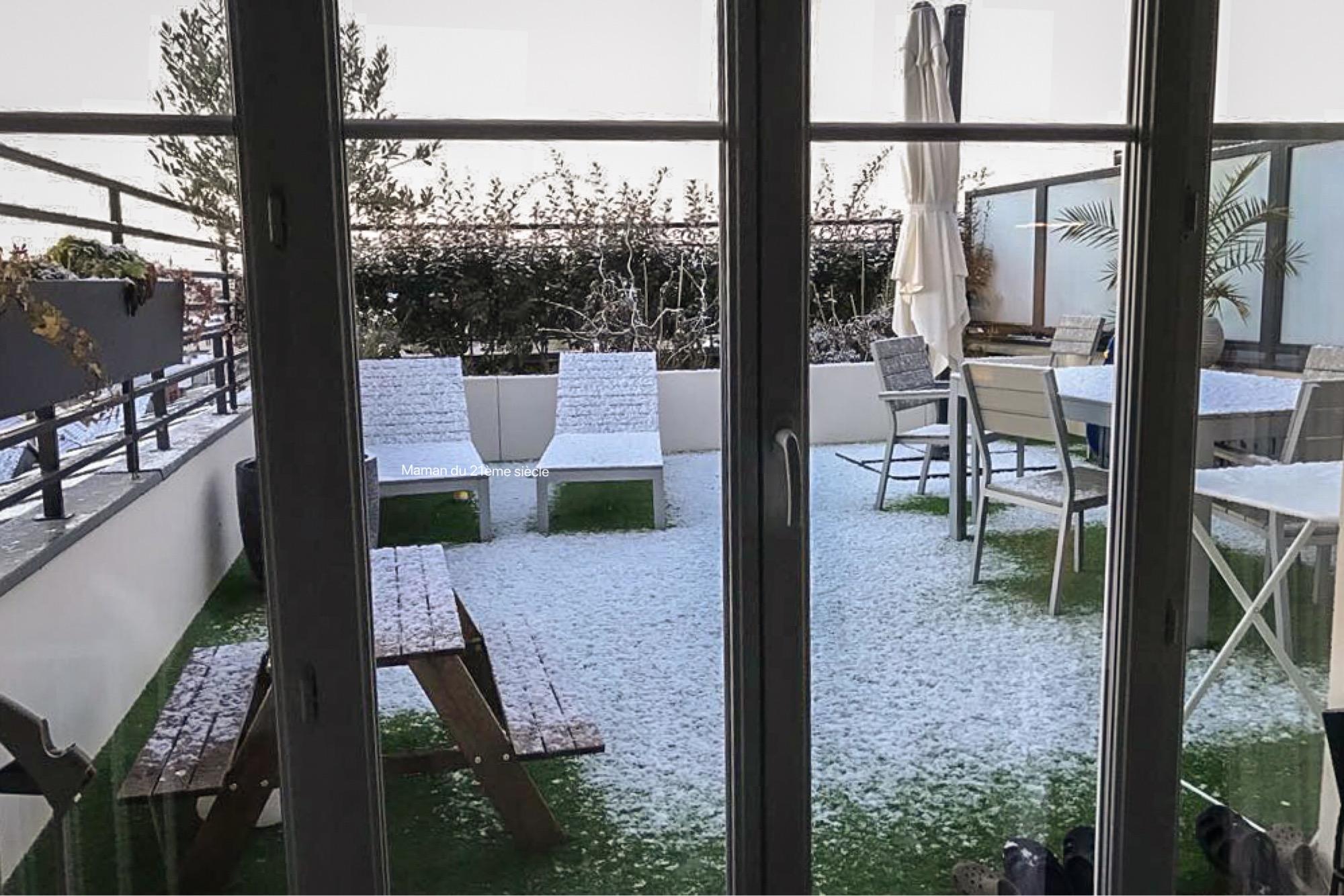 terrasse-enneigée-decembre