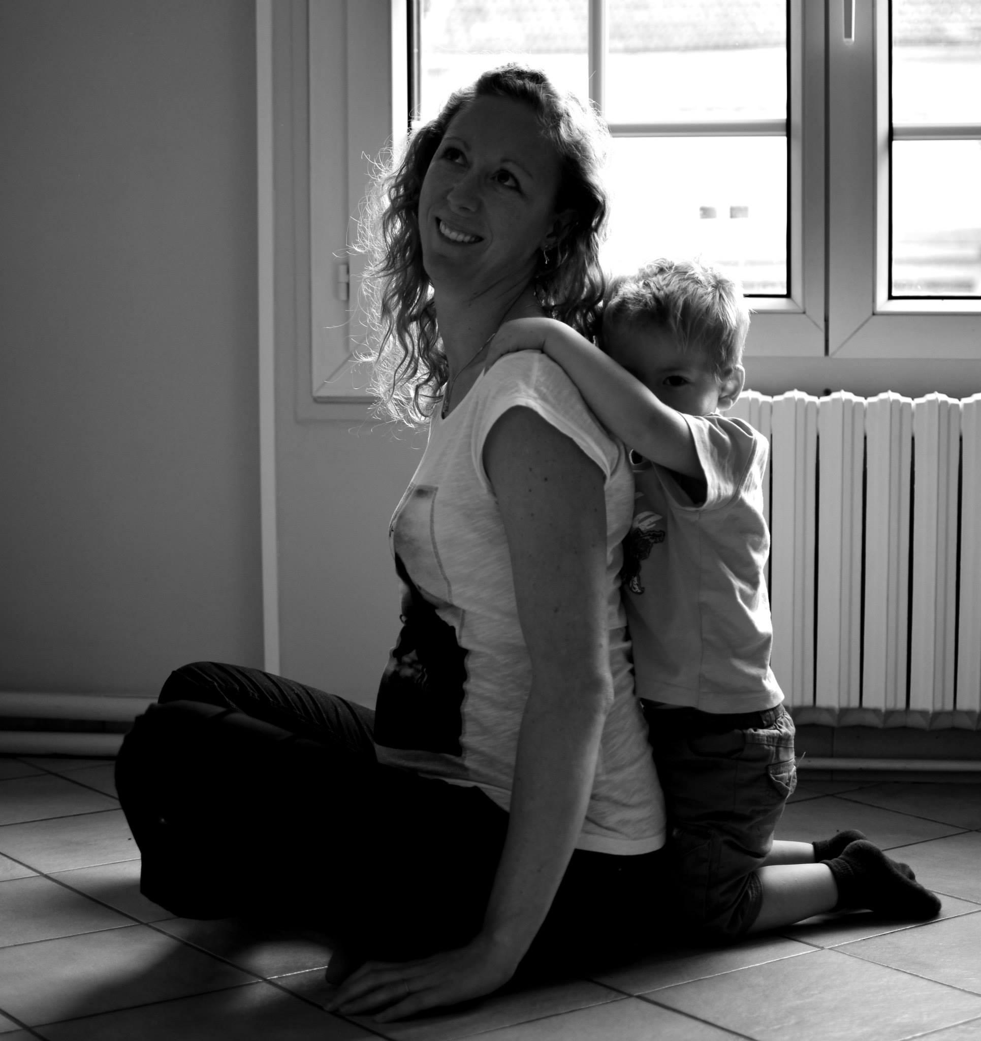 maman-8-caro-accouche-a-maison-enceinte