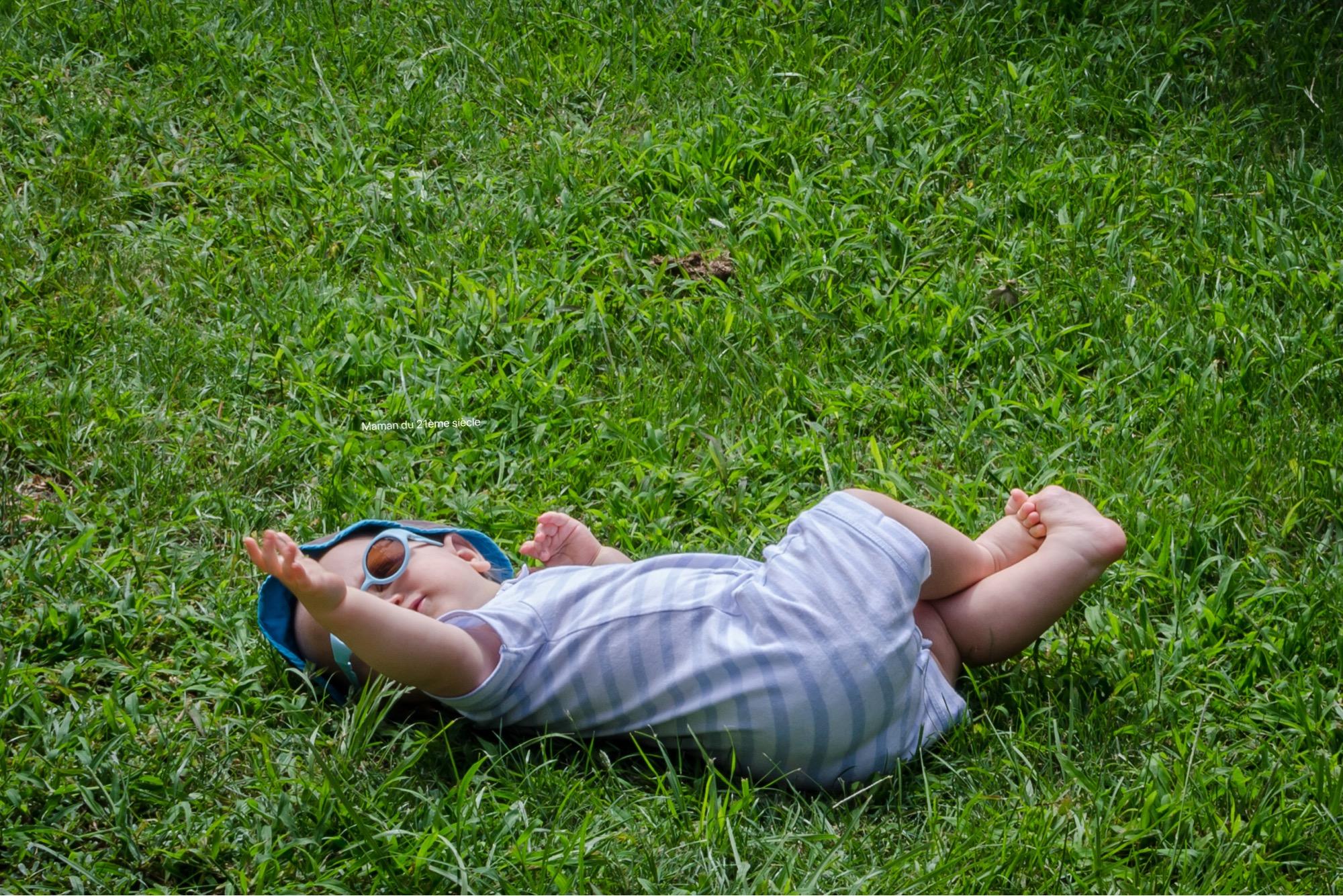 se-rouler-dans-herbe