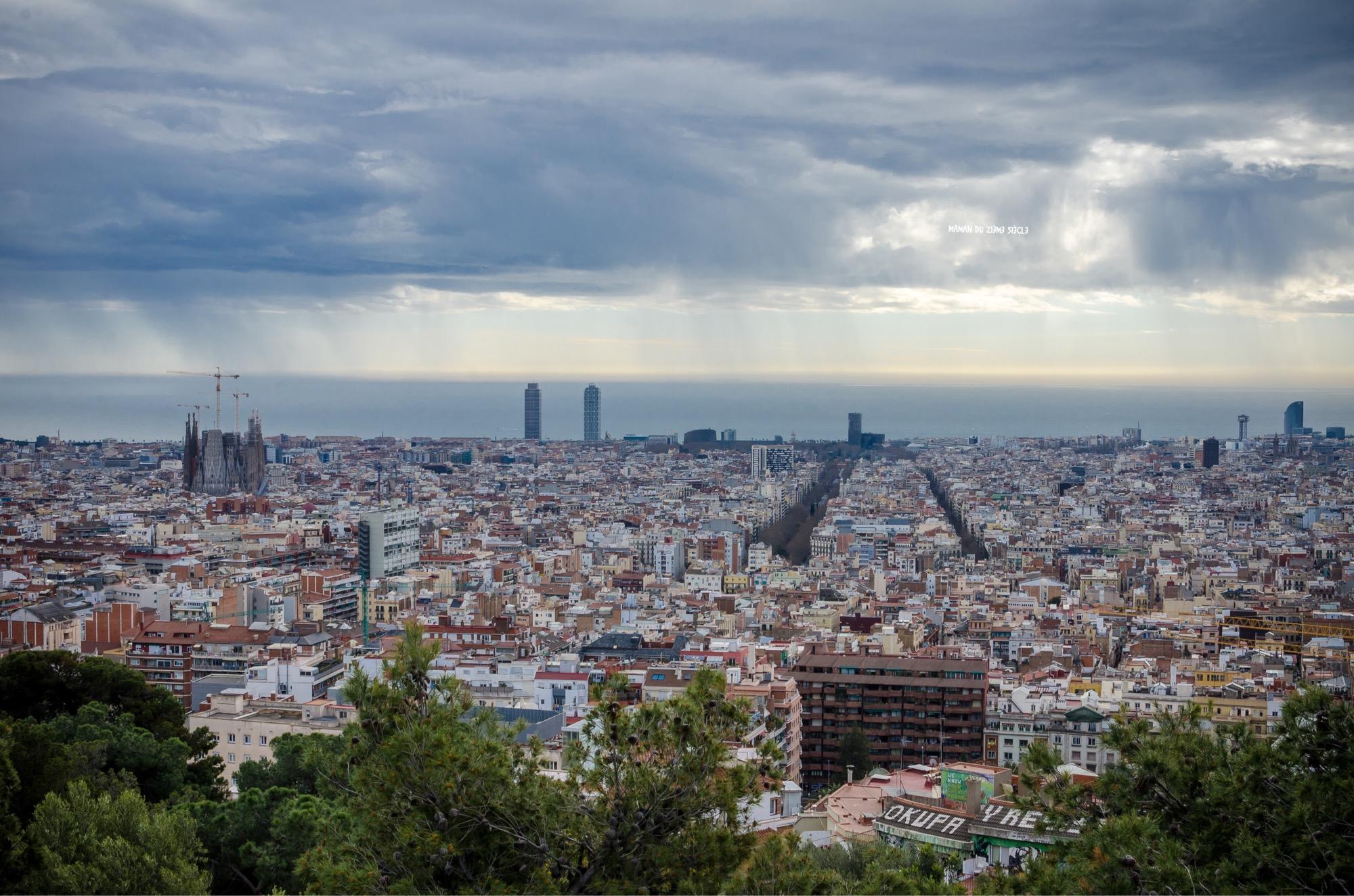 vue-des-hauteurs-du-parc-Güell-Barcelone
