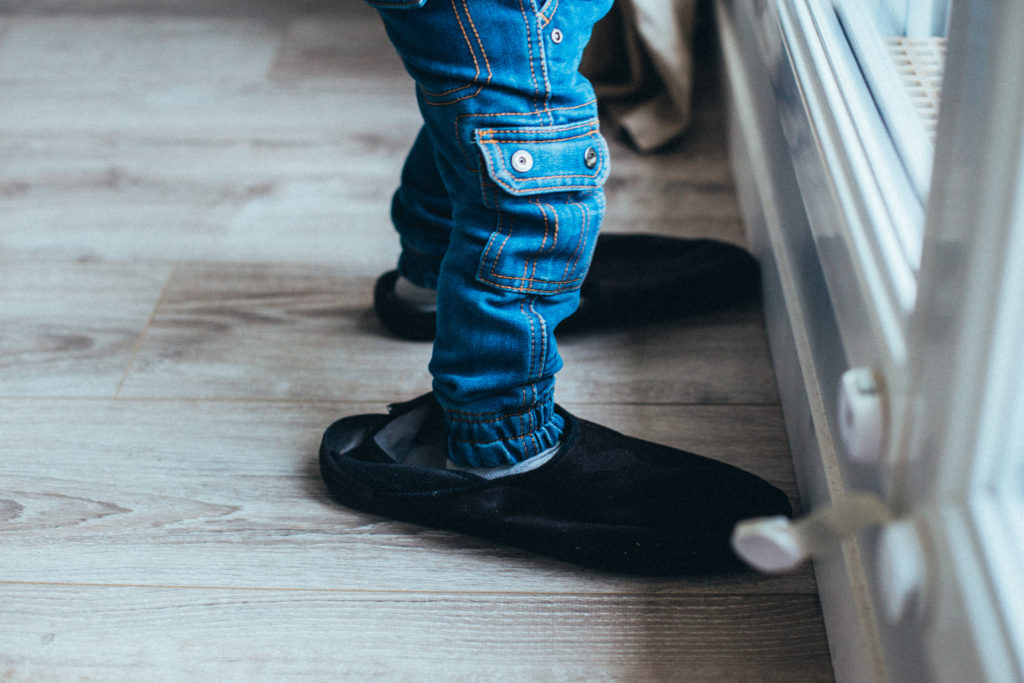 essayer-les-chausssons-des-plus-grands